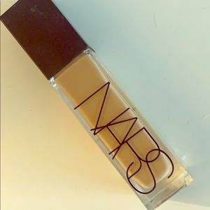 NARS natural radiant longwear foundation M3.5